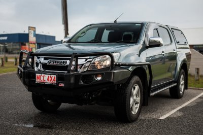 Isuzu D-Max Side Steps + Rails